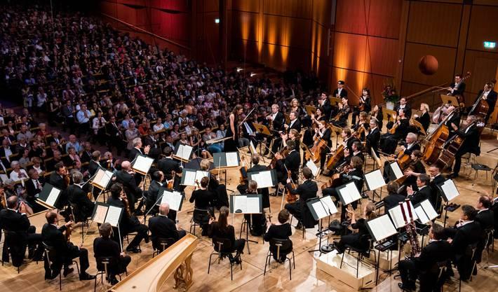 Auch stehen in den kommenden Monaten viele Konzerte an. Bleibt die aktuelle Obergrenze bestehen, können diese Veranstaltungen nicht durchgeführt werden.