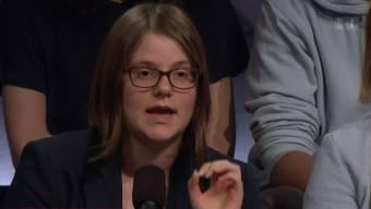 Sarina Kübler nimmt gerade den ultrakonservativen Marco Giglio auseinander.
