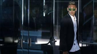 Neymar wehrt sich weiterhin gegen Vorwürfe der Vergewaltigung. (Archiv)