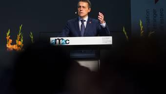Bundesrat Ignazio Cassis vor den Auslandschweizerinnen und Auslandschweizern am heutigen Samstag in Montreux: Um die Interessen der Schweiz im Ausland zu vertreten, seien sie die wichtigsten Botschafter.