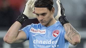 Thun-Goalie Francesco Ruberto muss die Niederlage seines Teams nach zwei Fehlgriffen auf seine Kappe nehmen