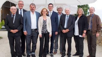 Die Preisträger und ihre Laudatoren sind (von links): Peter André Bloch, Ernst Zingg, Mike Müller, Regina Gorza, Meinrad Kofmel, Gery Meier, Oswald Müller, Marianne Straumann und Markus von Däniken.