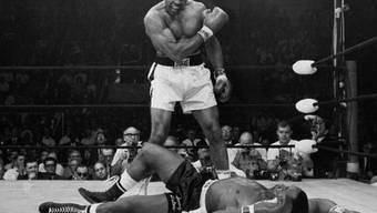Muhammad Ali beim legendären Sieg vor 50 Jahren gegen Sonny Liston.