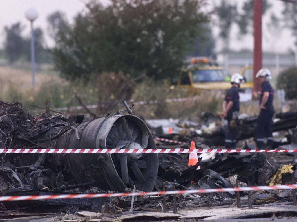 113 Menschen kamen beim Flugzeugabsturz ums Leben. (Bild: Keystone/AP/Laurent Rebours)