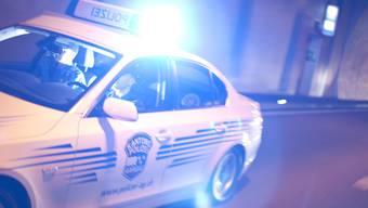 Die Kantonspolizei sucht Zeugen zum Unfallhergang (Symbolbild).