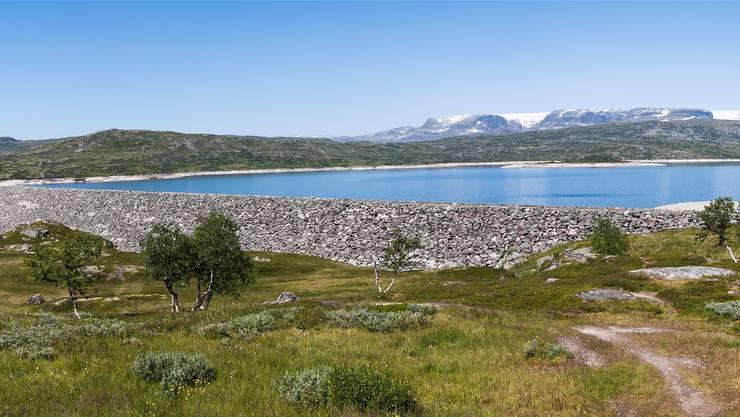 Wer sagt wos lang geht? Immer mehr Norweger fürchten sich, dass zum Beispiel ihr Wasserstrom – im Bild das Sima-Kraftwerk in der Hardangervidda – bei der Übernahme von EU-Recht den Kürzeren zieht.