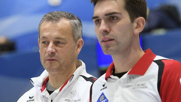 Da war guter Rat teuer: Coach Claudio Pescia und Skip Peter De Cruz