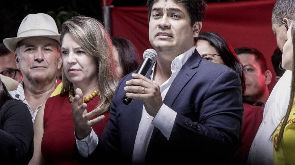 Muss trotz bestem Ergebnis in die Stichwahl um das Präsidentenamt in Costa Rica: der konservative evangelikale Pastor Fabricio Alvarado, hier mit seiner Frau Claudia Dobles in San José.