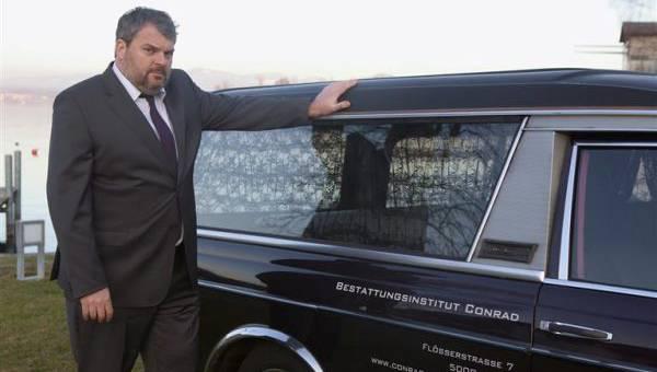 Mike Müller in der ersten Staffel von «Der Bestatter».