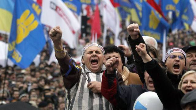 Ukrainer protestieren gegen die Abkehr ihrer Regierung von der EU