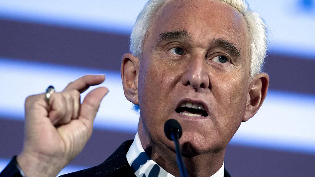Roger Stone, ein Vertrauter von US-Präsident Trump, wurde in Florida festgenommen.