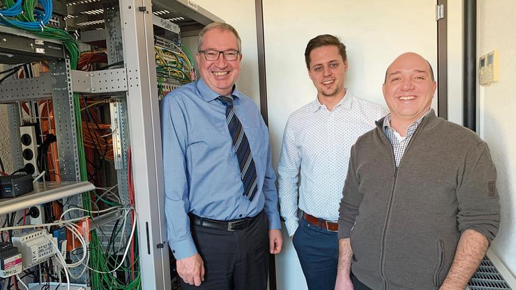 v.l.: Die Geschäftsführer Markus Blättler (SWL), Pascal Gnepf und Beat Jacobi (Netrium ICT Solutions, die neue Firma). Gnepf war bisher in der SWL für den Bereich Telematik zuständig.
