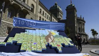 Die Landschaftsinitiative wurde am 8. September mit über 105'000 Unterschriften eingereicht.