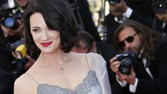 Die italienische Schauspielerin Asia Argento wird wegen sexuellem Missbrauch angeklagt.