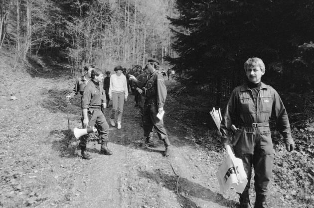 Polizei und Freiwillige suchten in der Umgebung von Wolfikon in der Gemeinde Thundorf TG tagelang nach dem vermissten Mädchen, das möglicherweise entführt wurde oder einem Verbrechen zum Opfer fiel.