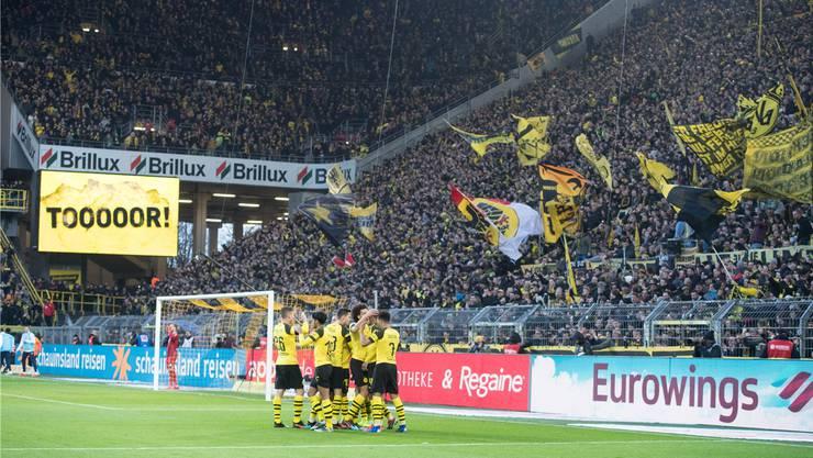 Da war die Dortmunder Welt noch in Ordnung: Der Jubel nach dem Treffer zum 3:0.