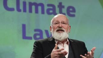 Laut Vizepräsident Frans Timmermans will die EU-Kommission trotz Verschiebung der Weltklimakonferenz an ihren Klimazielen festhalten.