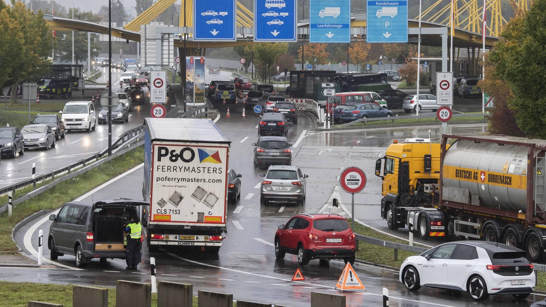 Wer aus der Schweiz nach Deutschland reist, muss entweder einen aktuellen negativen Corona-Test vorweisen oder sich in Quarantäne begeben.
