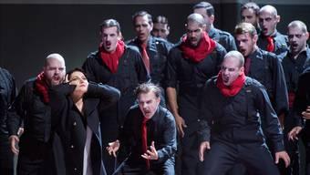 Permanent in die Enge getrieben: Leonora (Hibla Gerzmava) in der Verdi-Oper «La forza del destino».