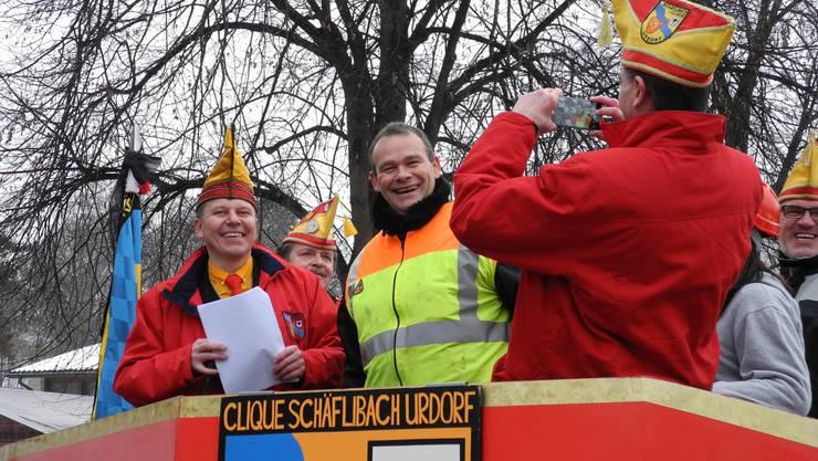 Erster Fototermin für den neuen Schirmherrn Stephan Bohnenblust (rechts). Hier gemeinsam mit Zeremonienmeister und Präsident Daniel Leutwiler.