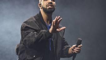 Mit zwölf Nominierungen ist Rapper Drake der grosse Favorit an den diesjährigen American Music Awards. (Archivbild)