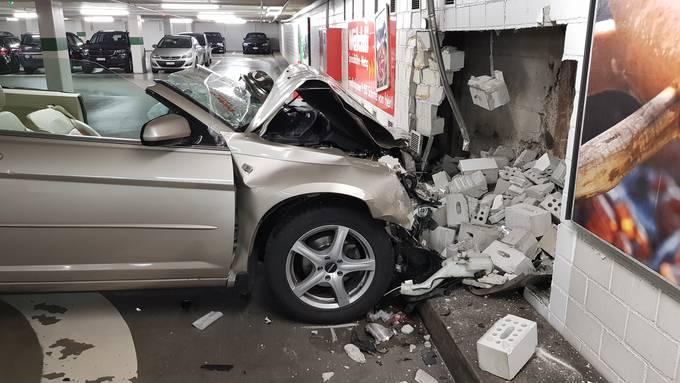 Unfall im Bieltorparkhaus in Solothurn