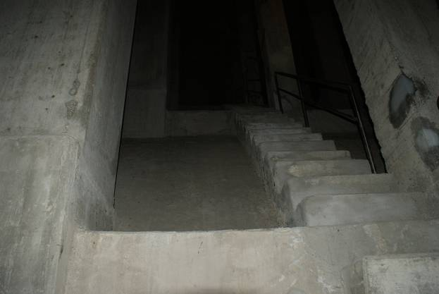 In der Limmat Hochbrücke folgt ein kurzer Aufsteig zu Fuss