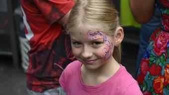 Die Import-Parfümerie organisiert ein Kinderschminken. (Symbolbild)