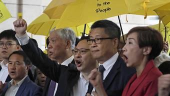 """In Hongkong hat am Montag ein Schauprozess gegen die durch ihre Regenschirme bekannt gewordene Demokratiebewegung """"Occupy Central"""" begonnen."""