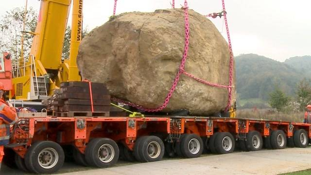 124-Tonnen-Transport durch Staffelbach