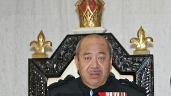König George Tupou V. will die Macht der Regierung und dem Parlament überlassen (Archiv)