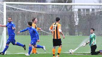 Trimbachs Torschütze Iandorio (ganz links) trifft in der 16. Minute zum zwischenzeitlichen 1:1-Ausgleich. Markus Müller
