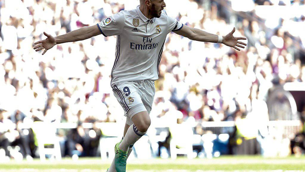 Karim Benzema nach dem Führungstor für Real Madrid gegen Alaves