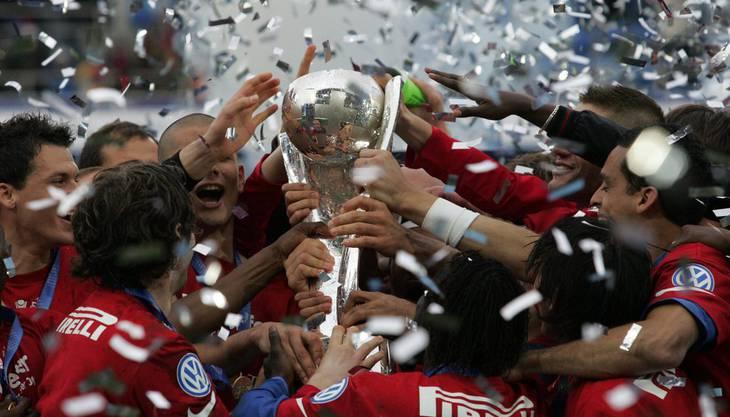Nach 3 Jahren Unterbrechung wird der Cupfinal wieder im St. Jakobpark ausgetragen. Der FC Basel tritt gegen den AC Bellinzona an und gewinnt das Finalspiel mit 4:1 vor 33'000 Zuschauern.