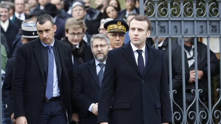 Emmanuel Macron am Dienstag auf dem jüdischen Friedhof von Quatzenheim.