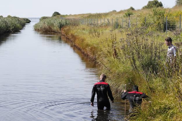 Taucher suchen in der Bucht südlich von Kopenhagen allerdings immer noch nach Walls Armen und Händen sowie ihrem und Madsens Handys