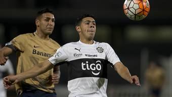 Blas Riveros (rechts) im Spiel der Copa Libertadores gegen die Pumas aus Mexiko vor einem Monat