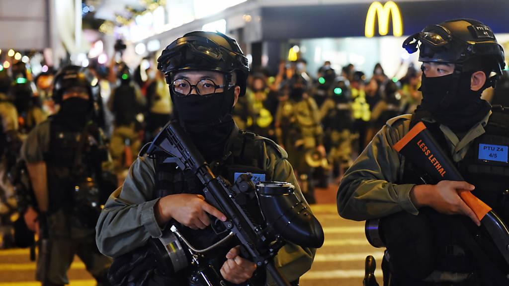 Erneut vereinzelte Ausschreitungen auf Hongkongs Strassen