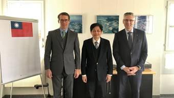 Gemeindeammann Ilias Läber, Botschafter David Huang, Andreas Glarner.