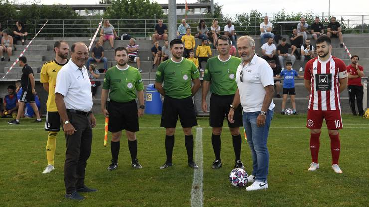 AFV-Praesident Lugi Ponte (links) und Armando Granzotto (rechts) machen den Ankick.