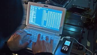 """Verdächtige Mails mit dem Absender """"Polizei"""" oder """"Kantonspolizei"""" sollen gelöscht werden. Denn wichtige Mittelungen versendet die Polizei jeweils per Post. (Symbolbild)"""