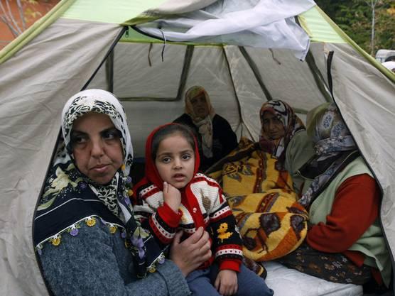 Das Erdbeben hat neben den Todesopfern auch viele Obdachlose zurückgelassen