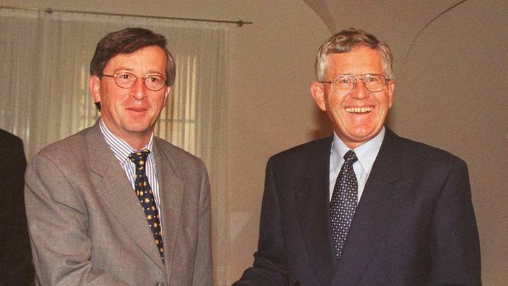 Alles begann 1998: Als Premierminister Luxemburgs empfängt Juncker Finanzminister Kaspar Villiger.