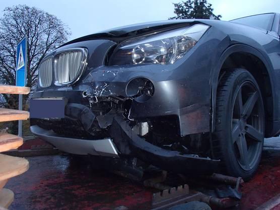 Der Sachschaden an den beiden Fahrzeugen beträgt rund 13'000 Franken.