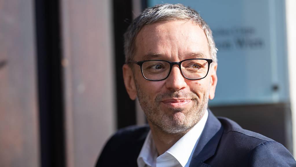 Herbert Kickl, Fraktionsvorsitzende der FPÖ, im FPÖ-Präsidium in der Bundesgeschäftsstelle. Kickl soll bei der österreichischen Rechtspartei auch den Parteivorsitz übernehmen.