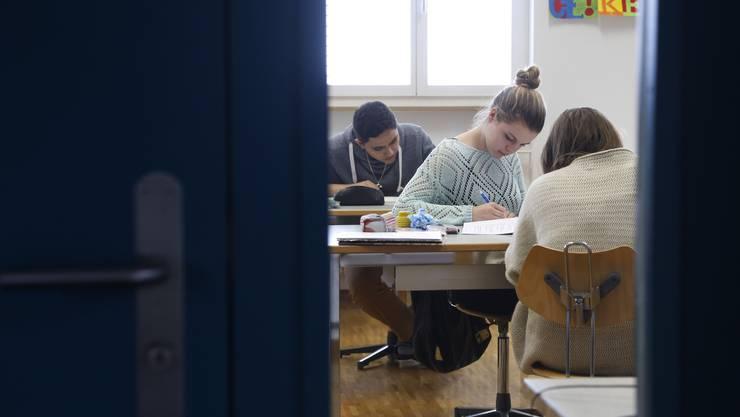 Diese Woche ist «Tag der offenen Tür» in den Volksschulen. Wir schauen in die Klassenzimmer in Selzach rein.