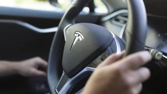 Das Tesla-Werk in der chinesischen Metropole Shanghai soll dereinst pro Jahr 500'000 Auto fertigen. (Symbolbild)