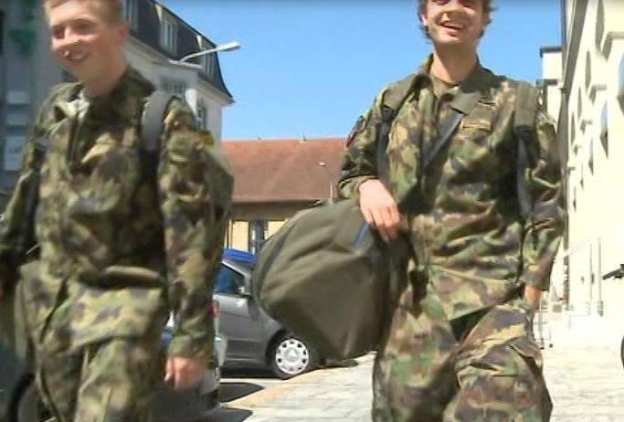 Soldaten würden nicht freiwillig ins Militär gehen