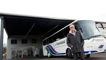 Heinz Weber, Leiter der Twerenbold Reisen AG, präsentiert den neuen Reiseterminal in Lyssach. Foto: Hansjörg Sahli