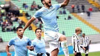 Lazios Candreva feiert seinen Treffer zum zwischenzeitlichen 1:1.